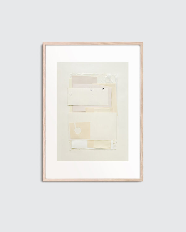 White Poem is the name of this art print inside the oak frame. The print; White Poem is created in beige and white color tones. The art print has a subtle and refined, mimalist expression